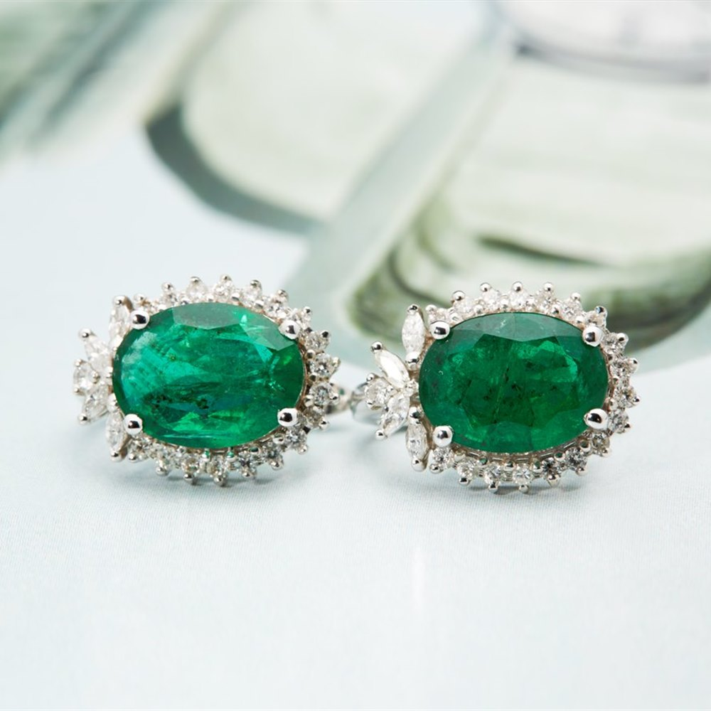 18k White Gold 9.00cts Emerald & Diamond Earrings