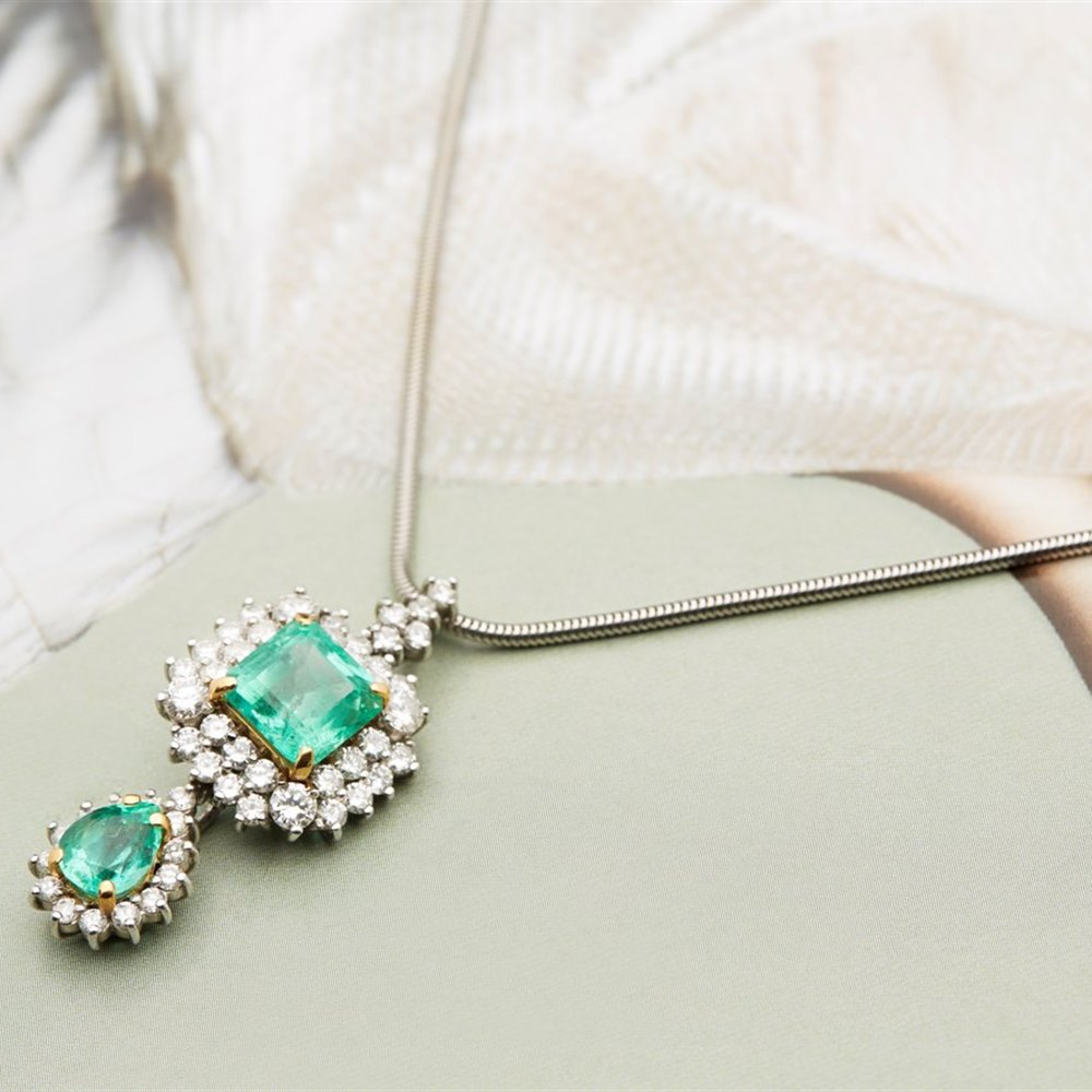 18k White & Yellow Gold (the 2 4 claw settings holding the emeralds are 18k Yellow Gold) 18k White Gold 3.50ct Colombian Emerald & 3.00ct Diamond Necklace