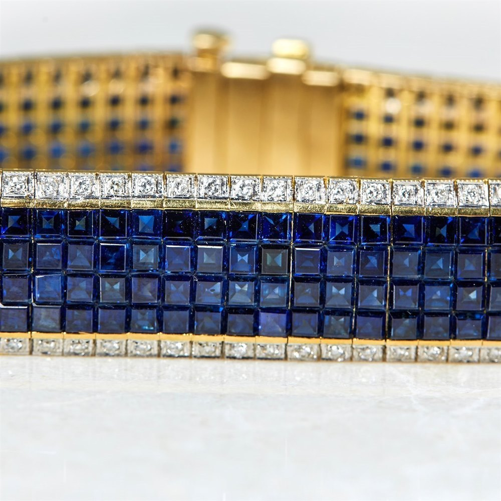 18k Yellow Gold, total weight - 43.07 grams  18k Yellow Gold 30.80ct Sapphire & 1.54ct Diamond Bracelet