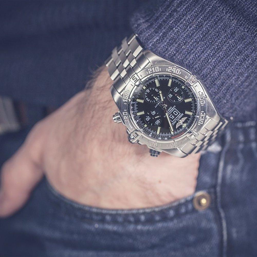 Breitling - правила подзавода механических часов в шкатулках как правильно заводить часы как правильно заводить еще во времена первых хронографов и бортовых приборов фирма breitling сосредоточила свое внимание на.