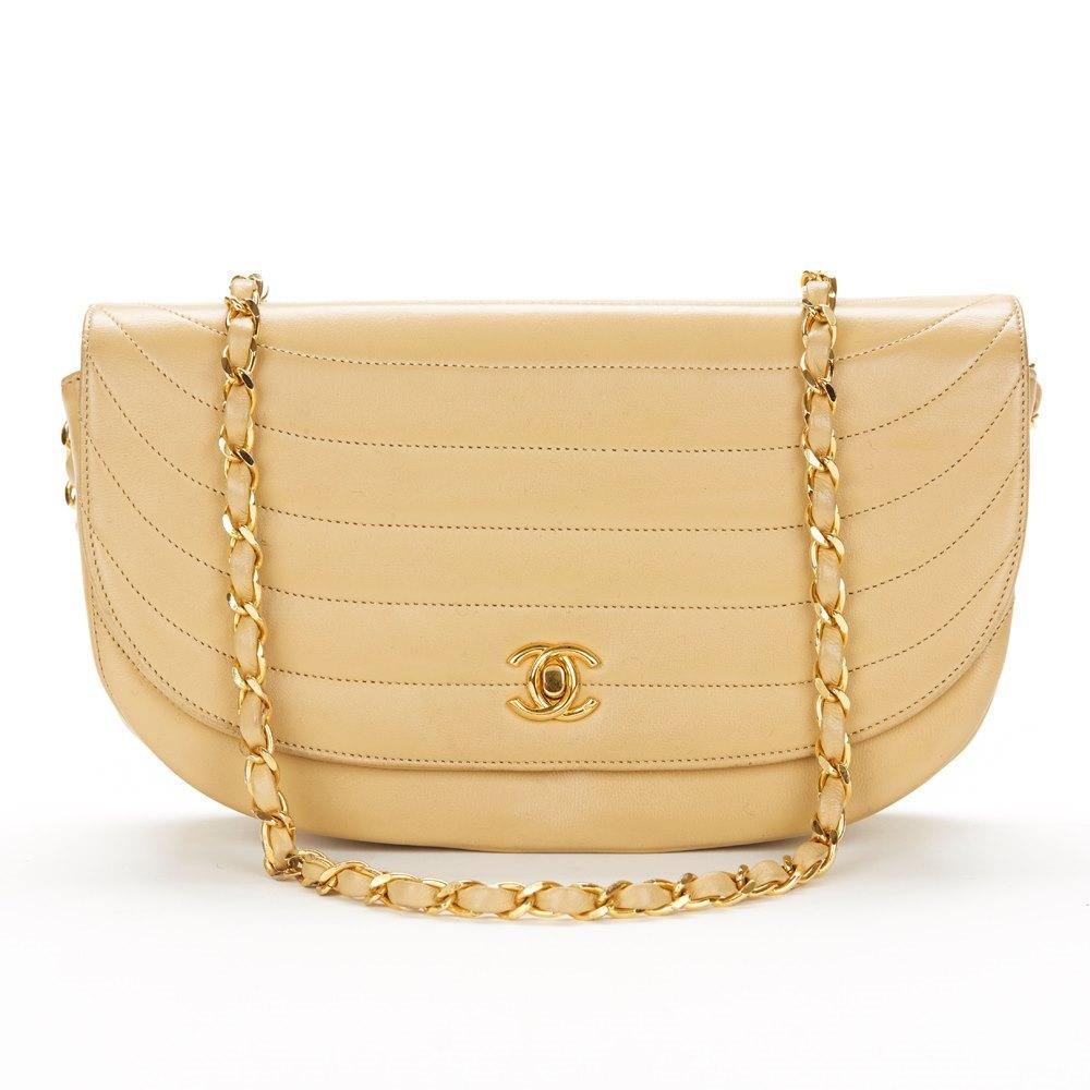 6772ca9a57743f Chanel Half-Moon Flap Bag 2000's CUS000000112 | Second Hand Handbags