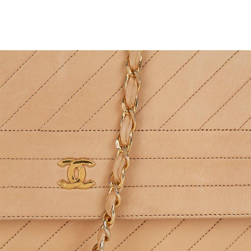 dca2b1e0a66175 Chanel Single Flap Bag 1990's HB022   Second Hand Handbags   Xupes