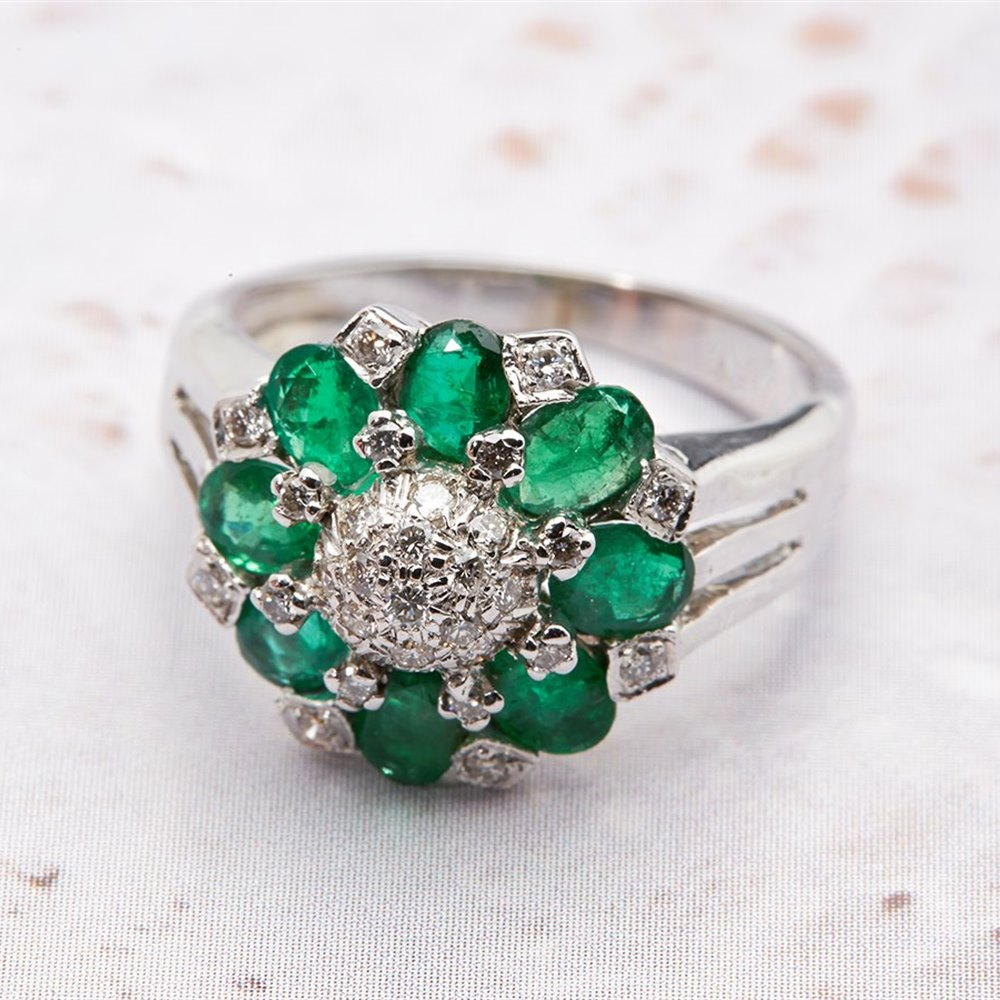 14k White Gold 2.70cts Emerald & Diamond Ring