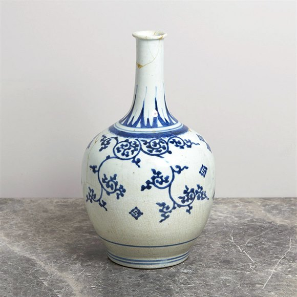 Antique Japanese Imari Porcelain Blue & White Vase 17Th C.