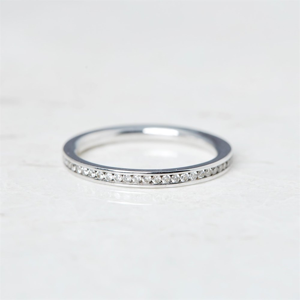 18k White Gold, total weight - 2.36 grams 18k White Gold 0.25ct Diamond Half Eternity Ring