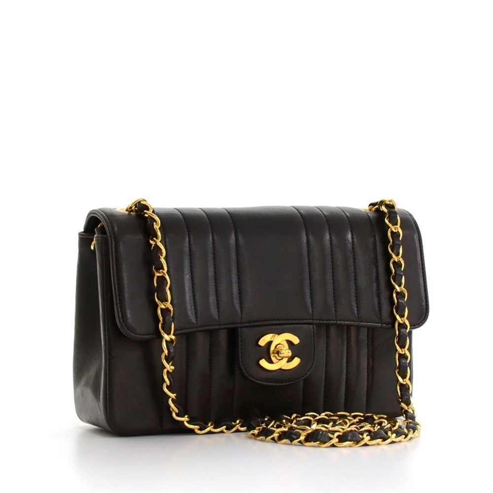 1e457f090d80 Chanel Single Flap Bag 1993 HB109 | Second Hand Handbags | Xupes
