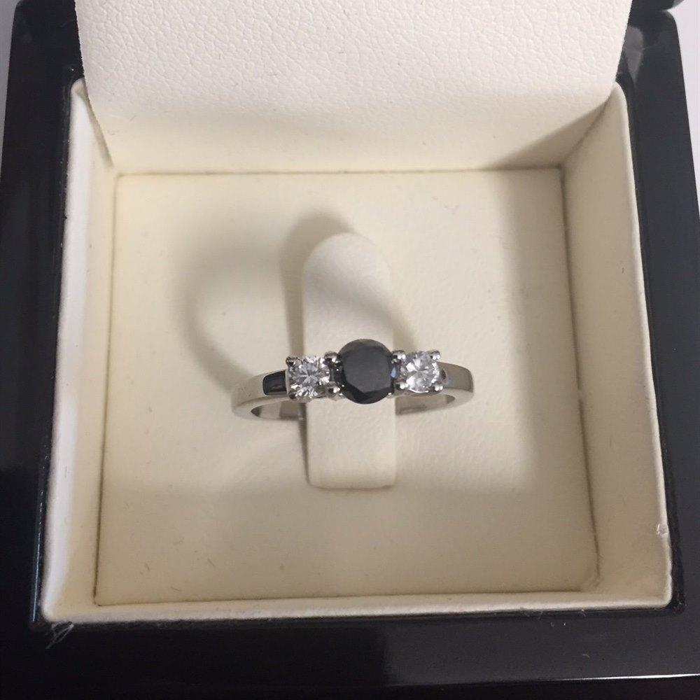 18k White Gold 18k White Gold Black Diamond Ring