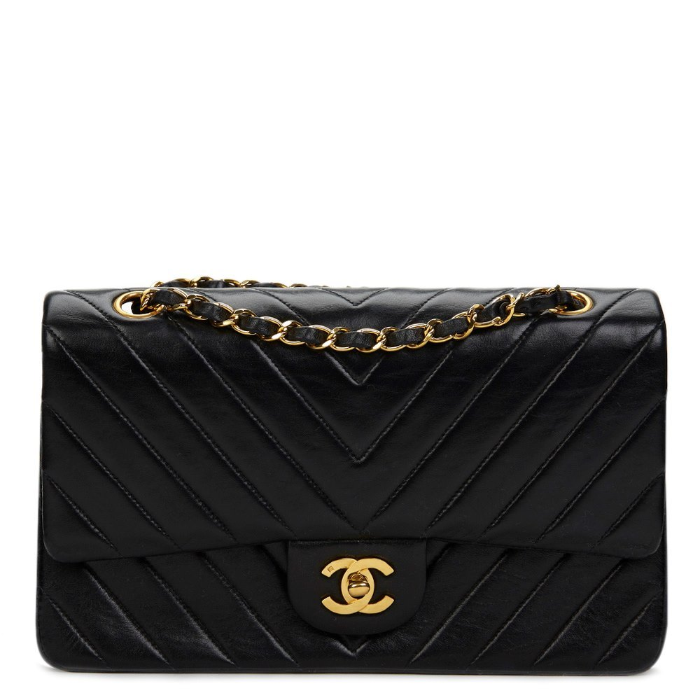 ed2d11873c Chanel Black Chevron Quilted Lambskin Vintage Medium Classic Double Flap Bag