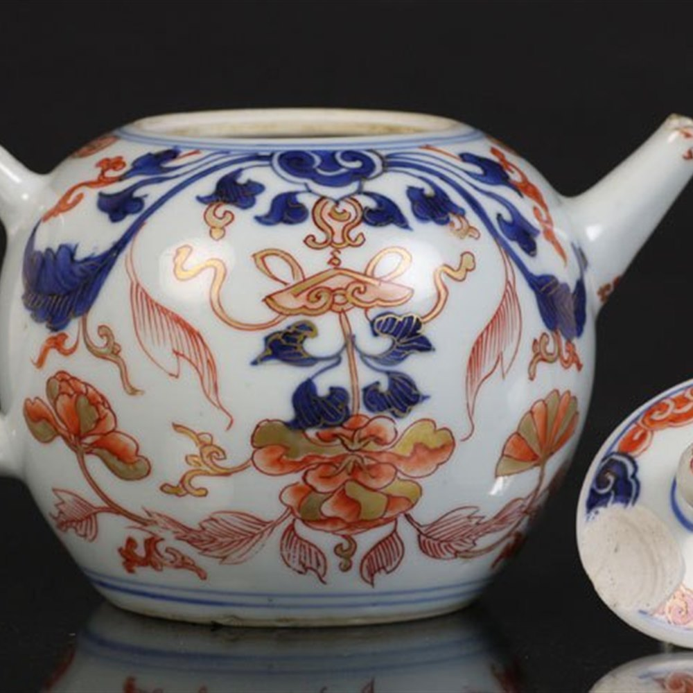 Chinese Imari Pattern Lidded Teapot 18th Century