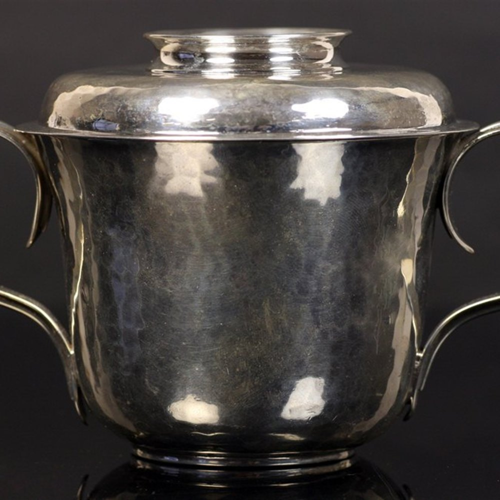 Robert Frederick Fox Fine Arts & Crafts Lidded Silver Porringer Robert Fox London 1919