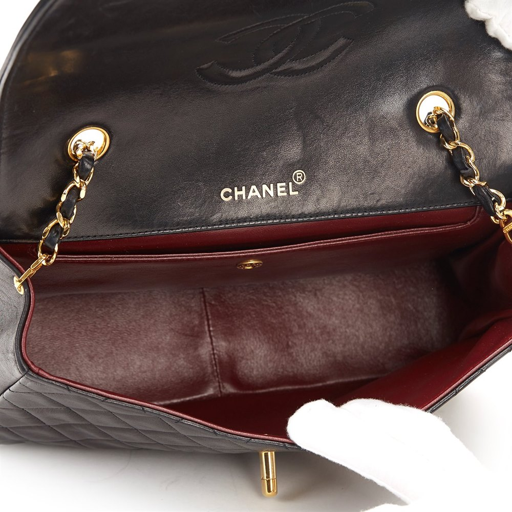ceb5802165a9 Chanel Black Quilted Lambskin Vintage Classic Single Flap Bag