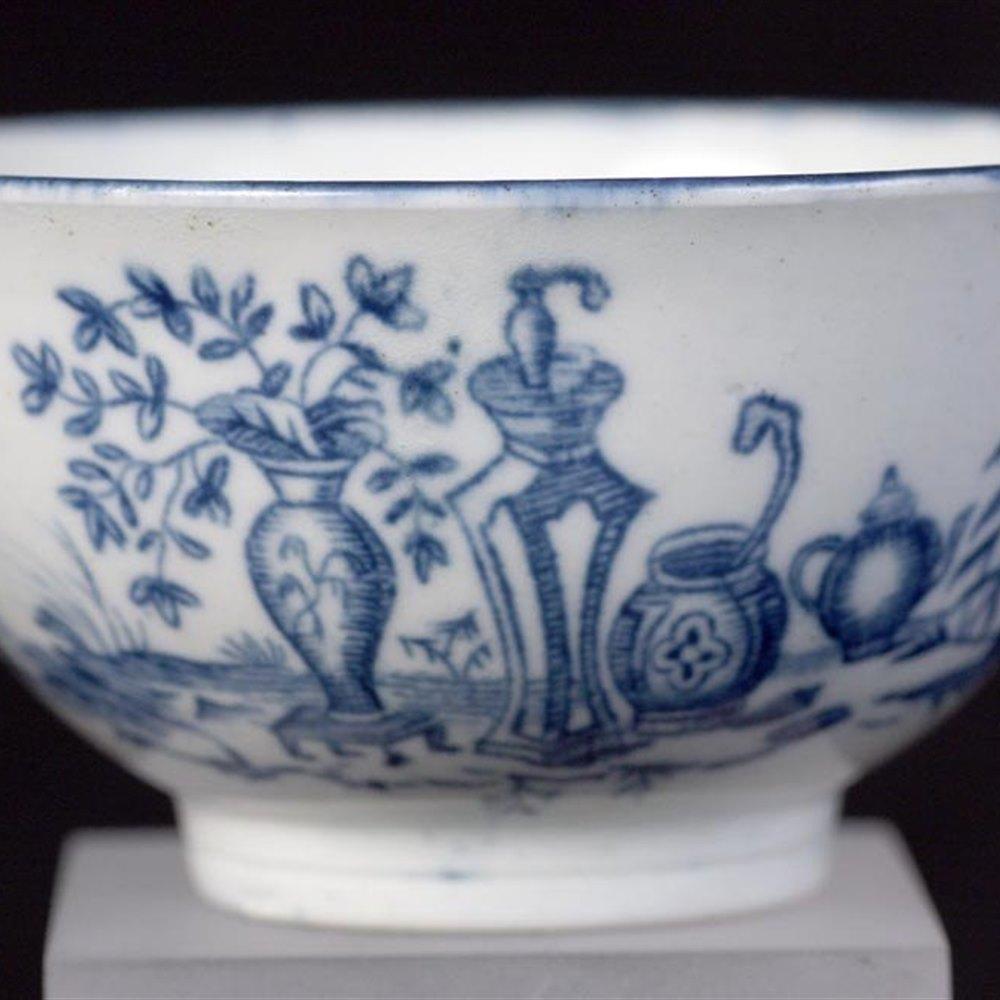 Antique Worcester Mother & Child Pattern Teabowl C.1770