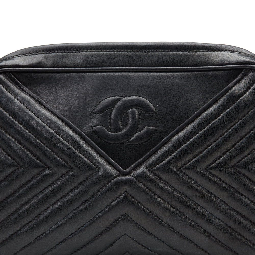 0143a28242d8 CHANEL BLACK CHEVRON QUILTED LAMBSKIN VINTAGE TIMELESS FRINGE CAMERA ...