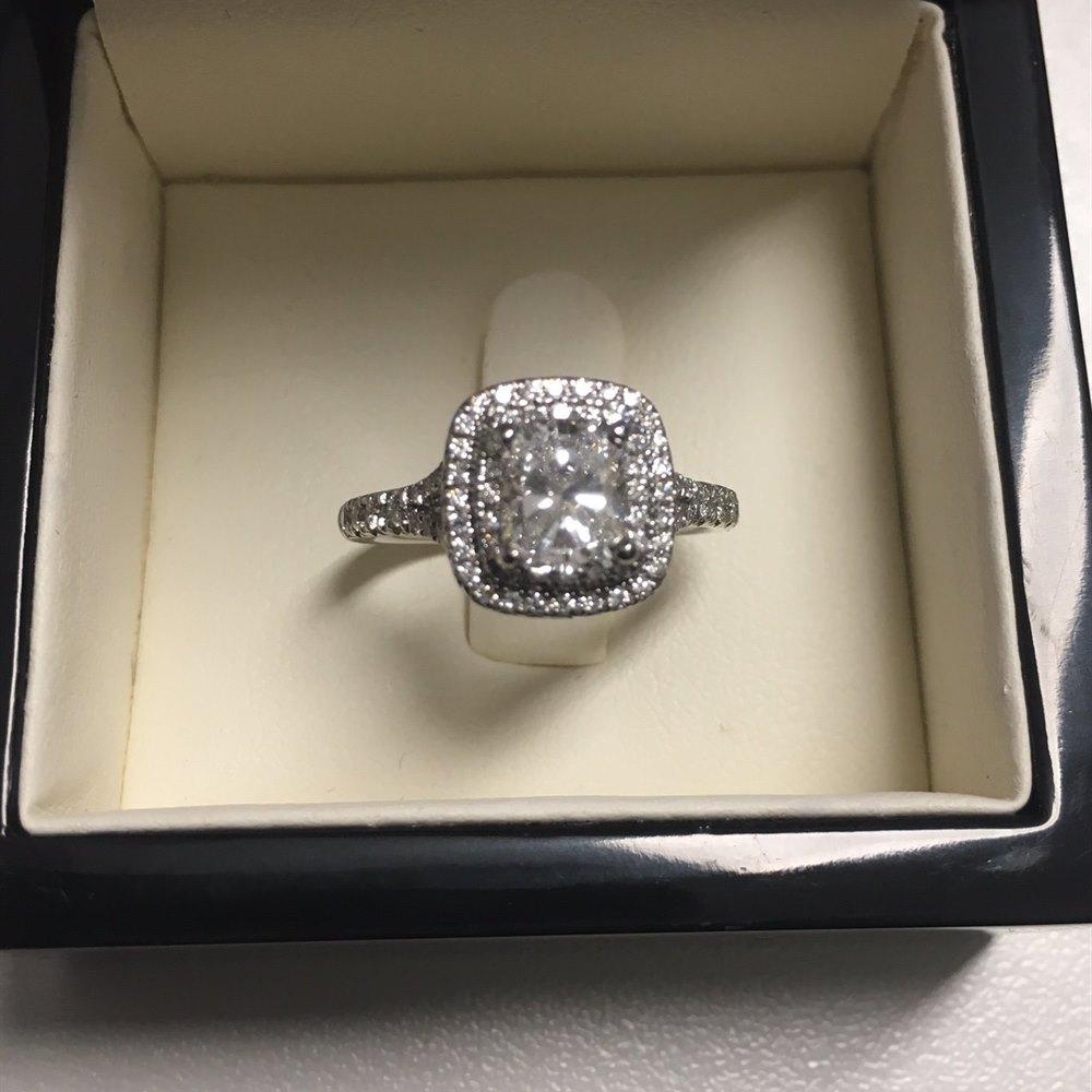 Platinum, total weight - 5.21 grams Platinum Cushion Cut 1.03ct Diamond Ring