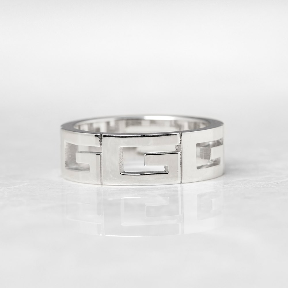 Gucci 18k White Gold G Logo Design Band Ring