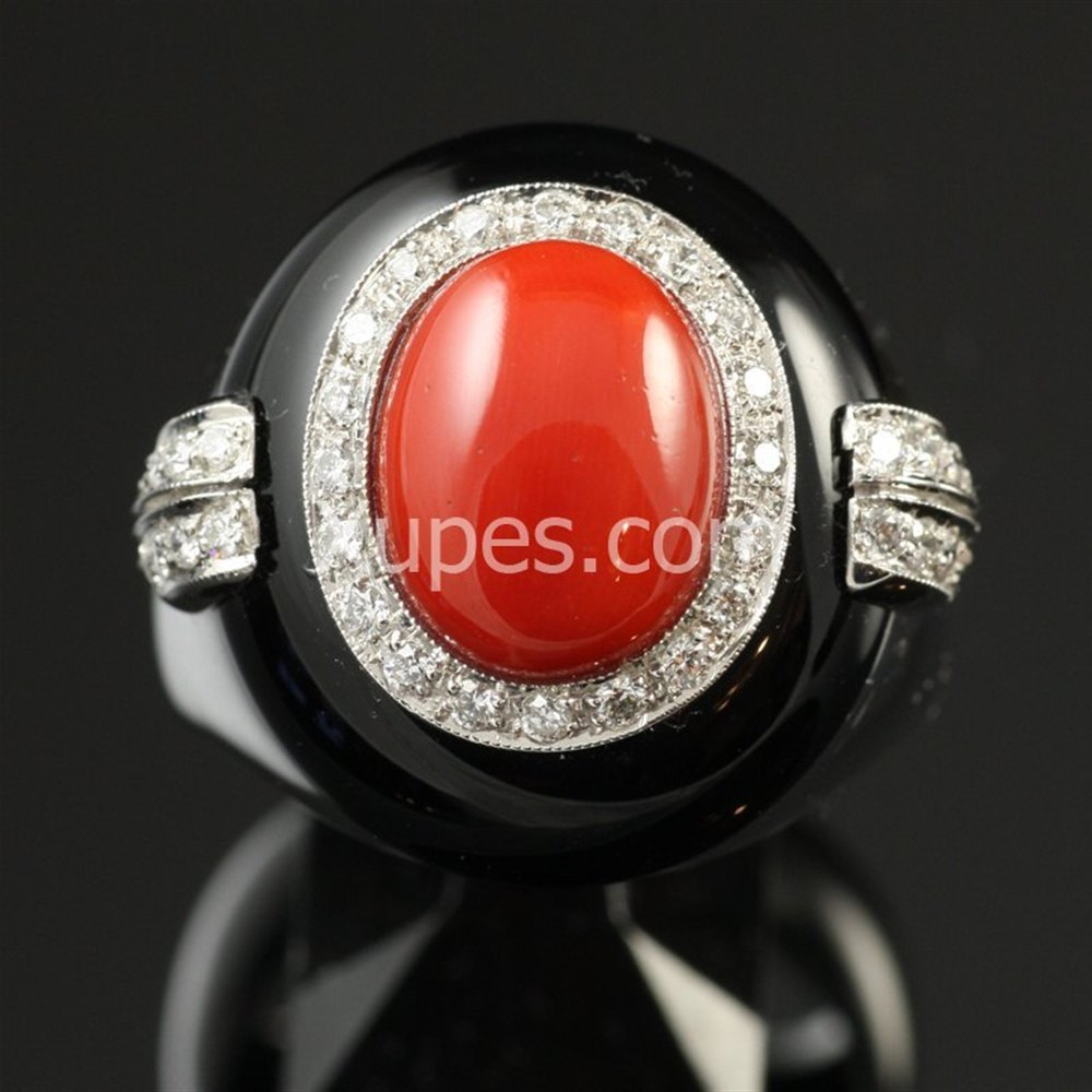 Retro Art Deco 18K White Gold Onyx, Coral & Diamond Ring