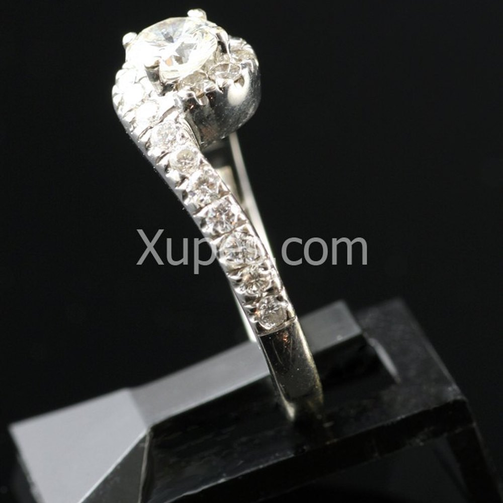 18k White Gold 18K White Gold Diamond Ring
