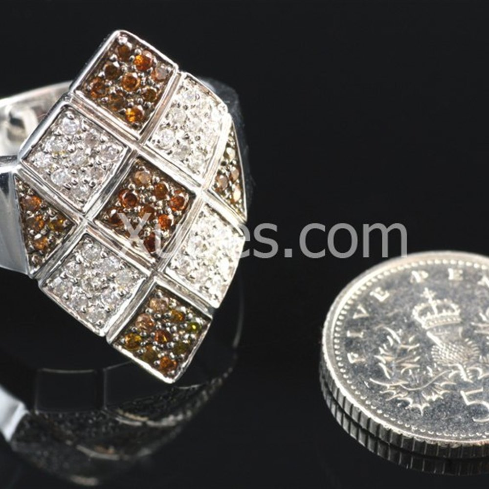 Unusual 18K White Gold White & Cognac Diamonds Ring