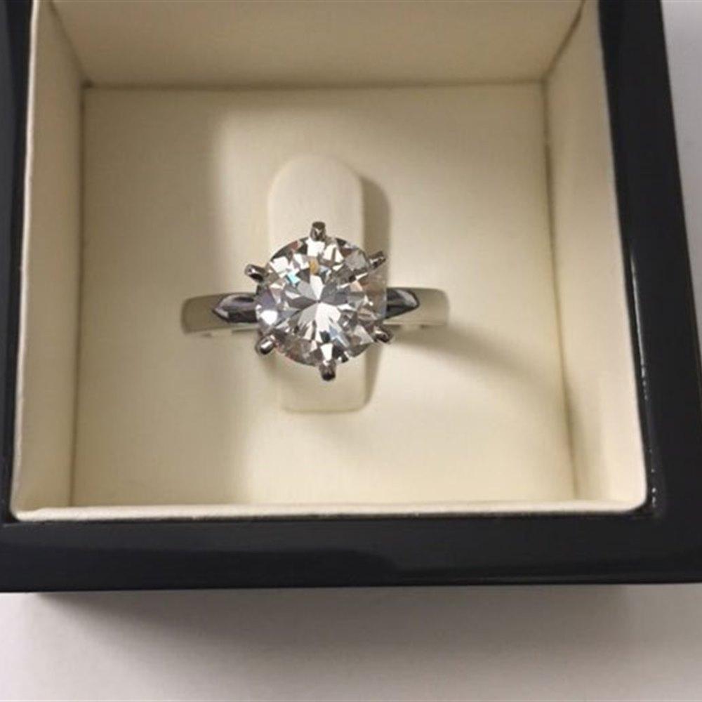 Platinum Platinum Diamond Ring (New Mount)