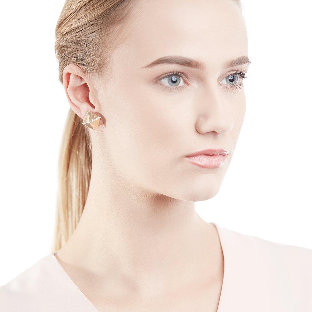 Van Cleef & Arpels 18k Yellow Gold Pyramid Style Earrings