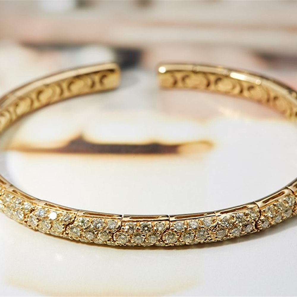 Mappin & Webb 18K Yellow Gold Natural Yellow Diamond Paved Cuff Bangle