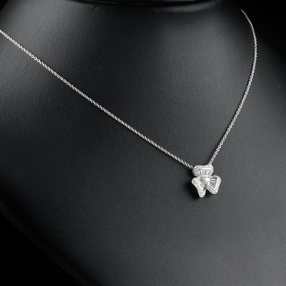 Mappin & Webb Fire & Ice Clover Diamond Pendant Necklace