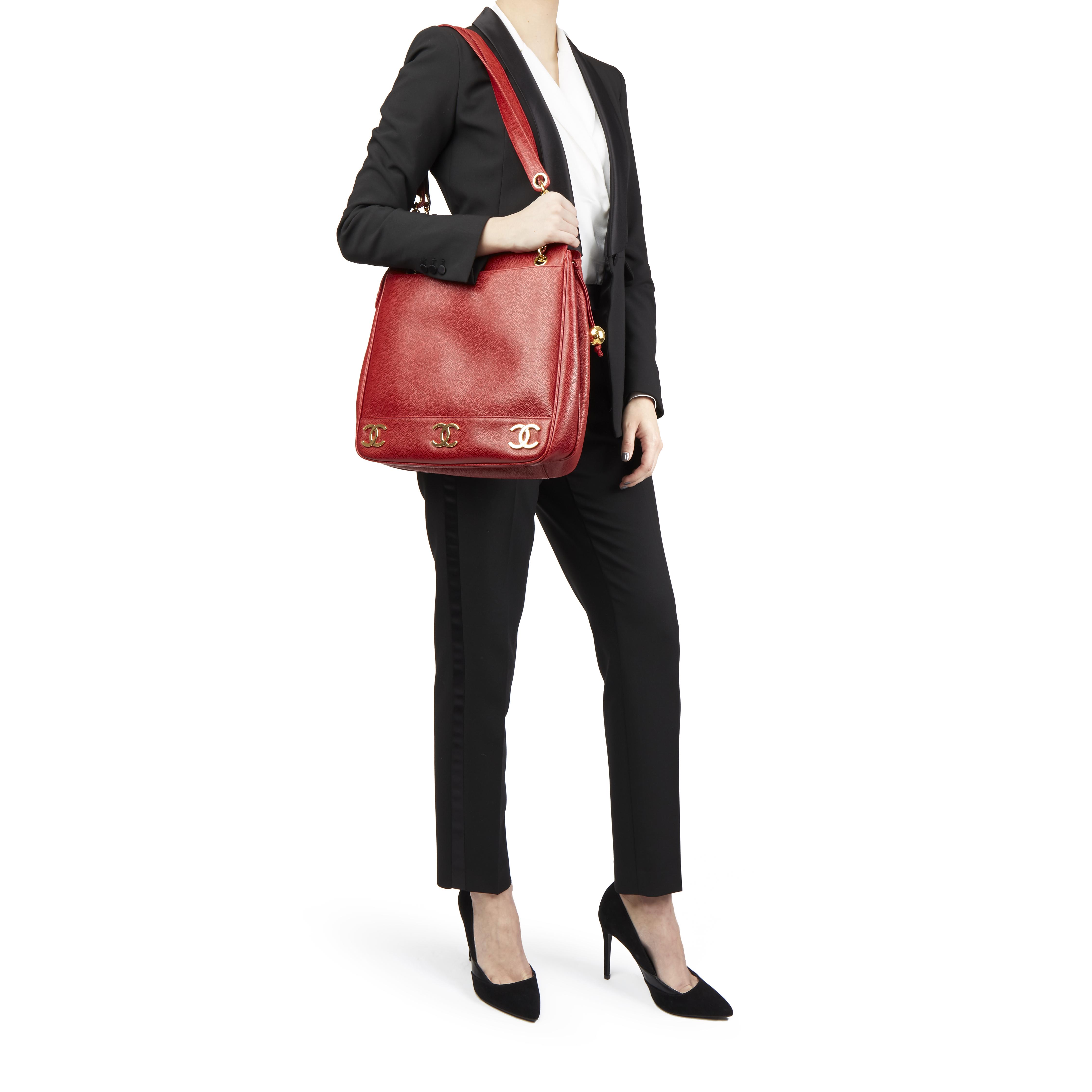 0d5100c80f9a Chanel Rouge CAVIAR CUIR vintage Jumbo Logo Trim Sac a bandouliere ...