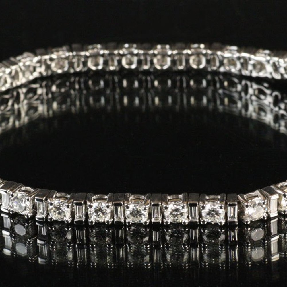 18k White Gold Diamond Tennis Style Bracelet