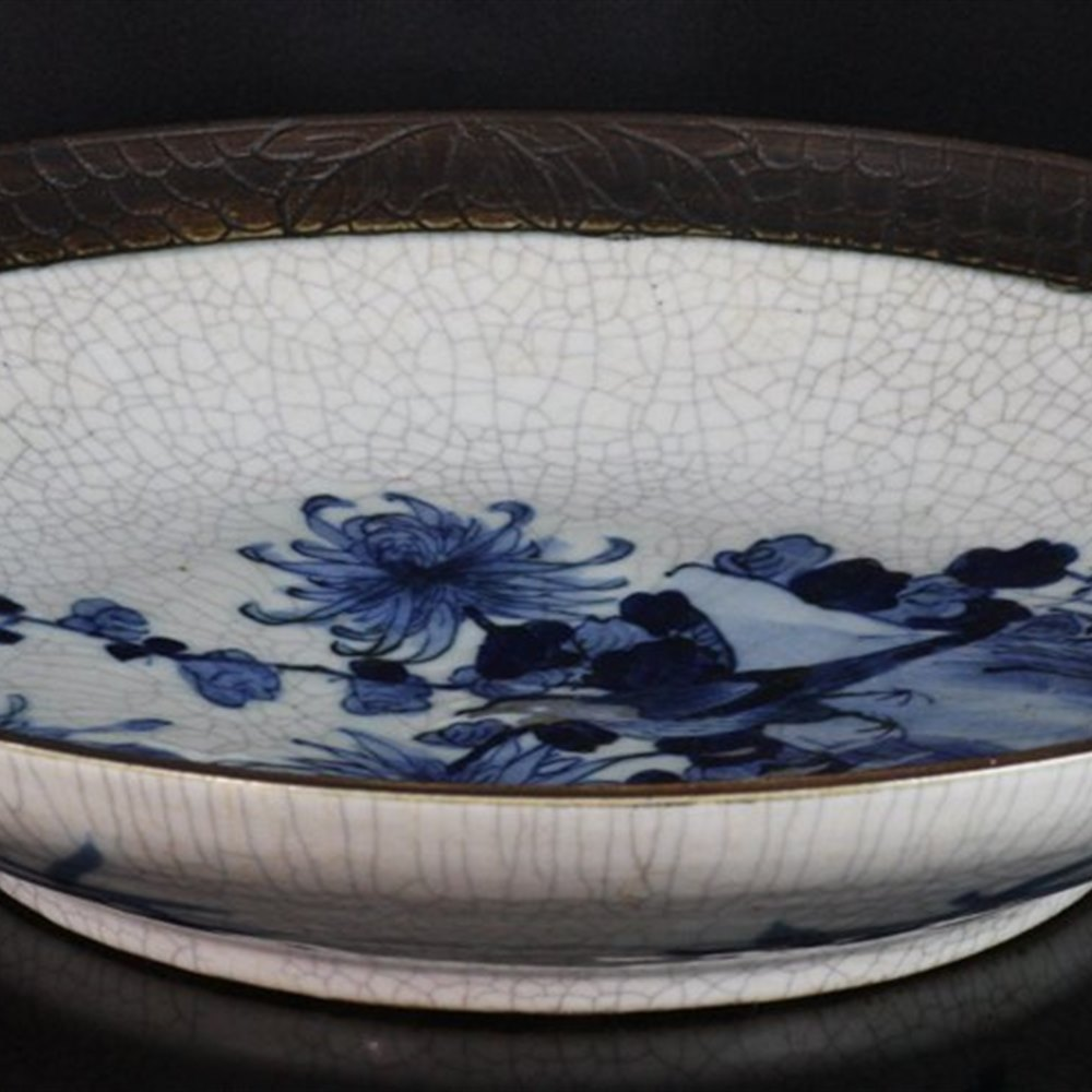 CHINESE PAINTED CHARGER 19th Century