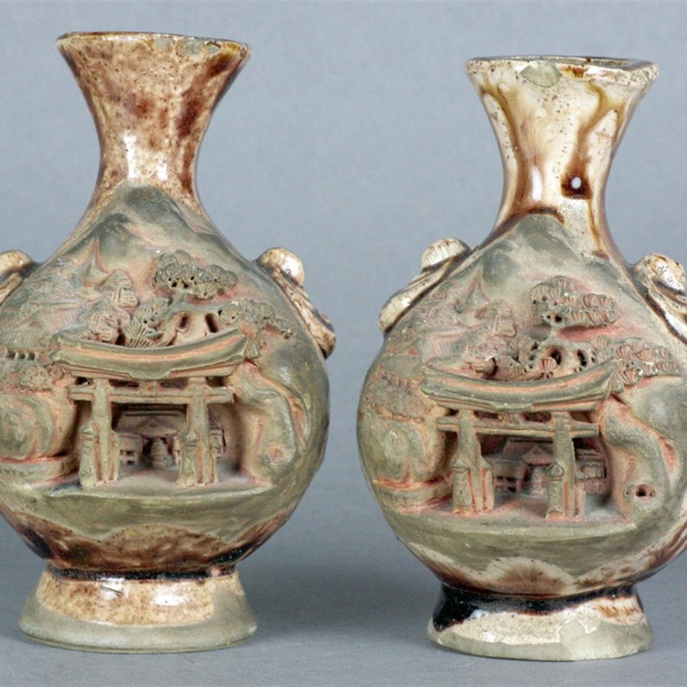 CHINESE VILLAGE SCENE VASES 19th Century or earlier