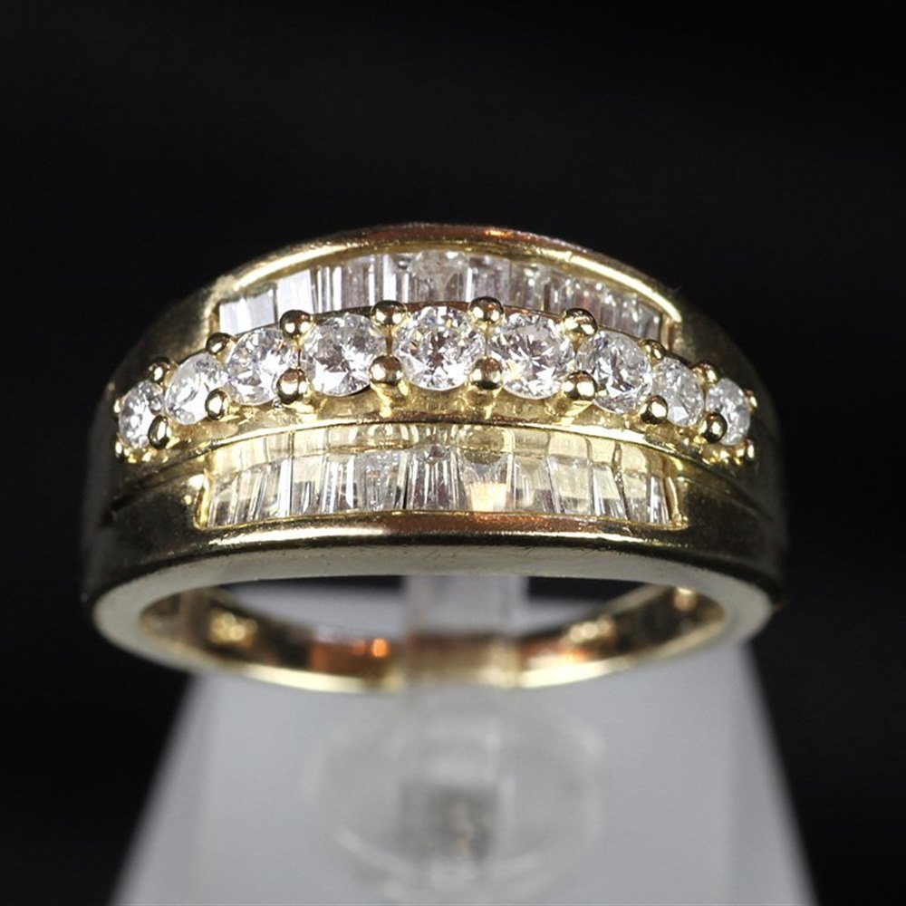 14ct Gold Vinatge 14ct Gold Diamond Ring
