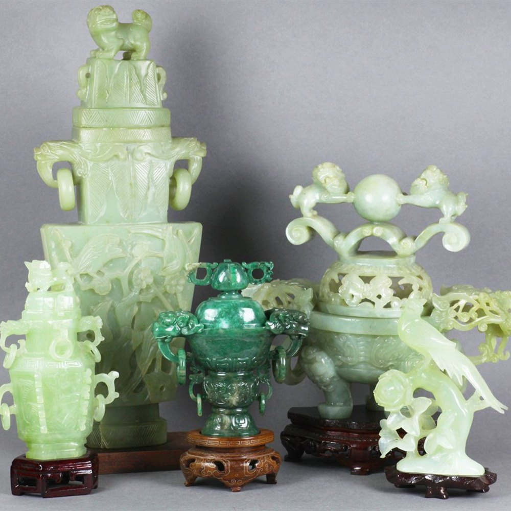 CHINESE JADEITE LIDDED VASE 19th or early 20th Century