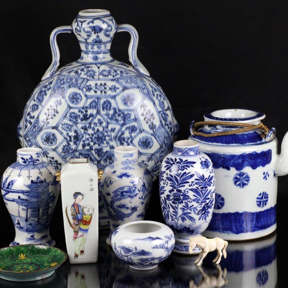 KANGXI BLUE & WHITE VASE Kangxi mark but believed later
