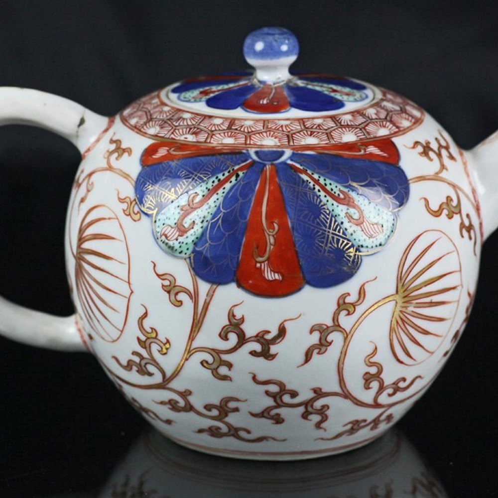 IMARI PATTERNED TEAPOT & COVER 18th Century
