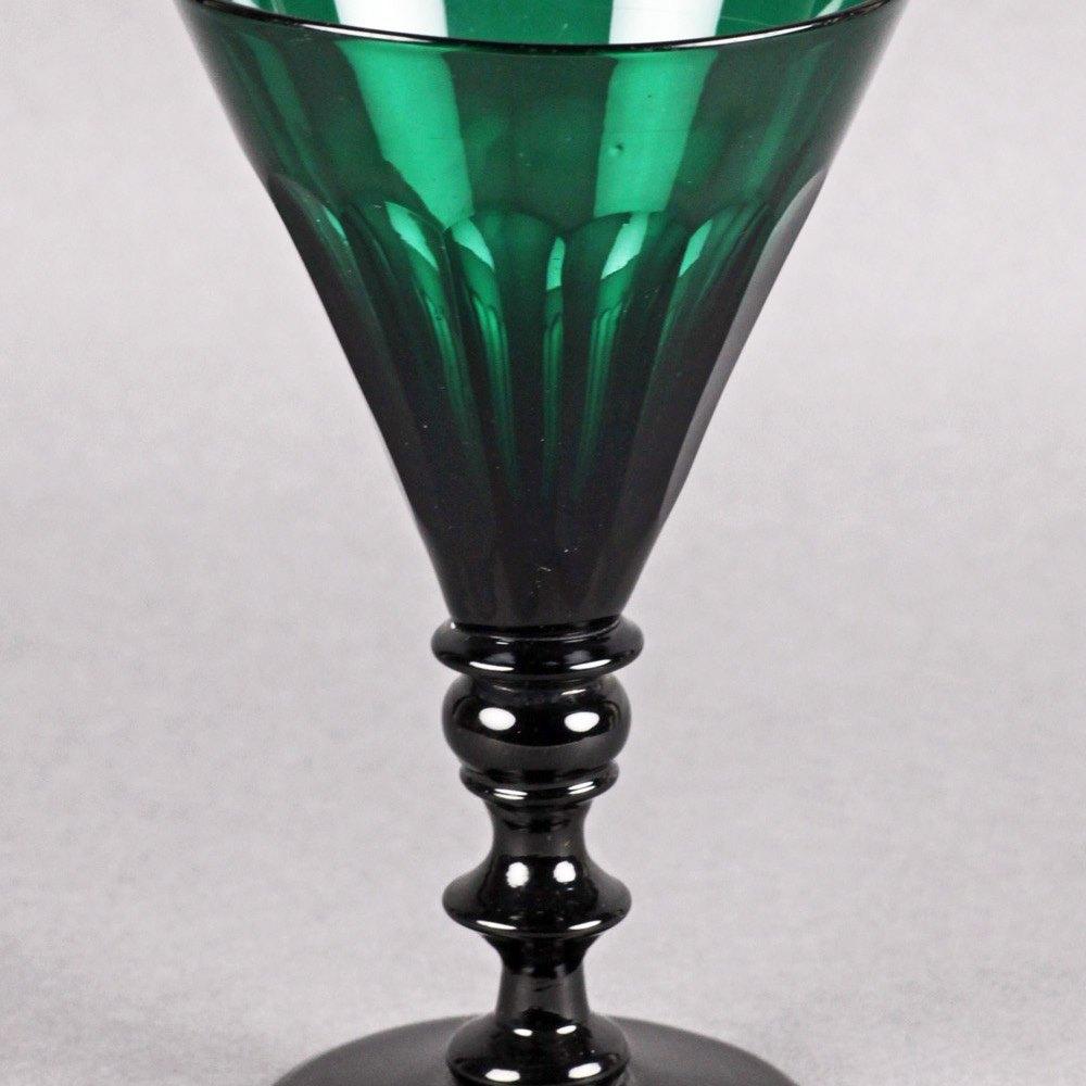 GEORGIAN GREEN WINE GLASS Circa 1820