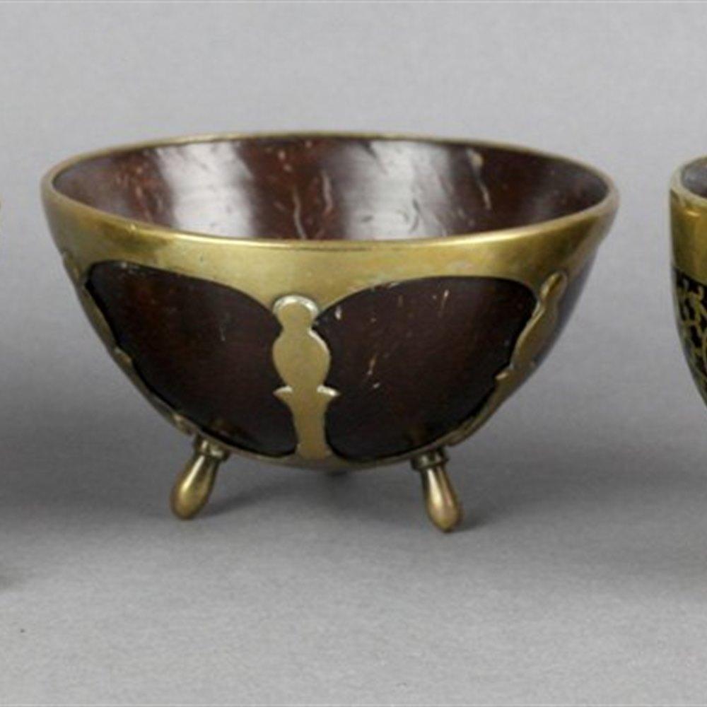 THREE GEORGIAN COCONUT CUPS Early 19th Century