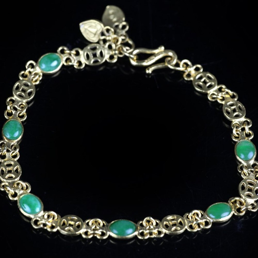22ct Yellow Gold  Chinese Jade & Yellow Gold Bracelet