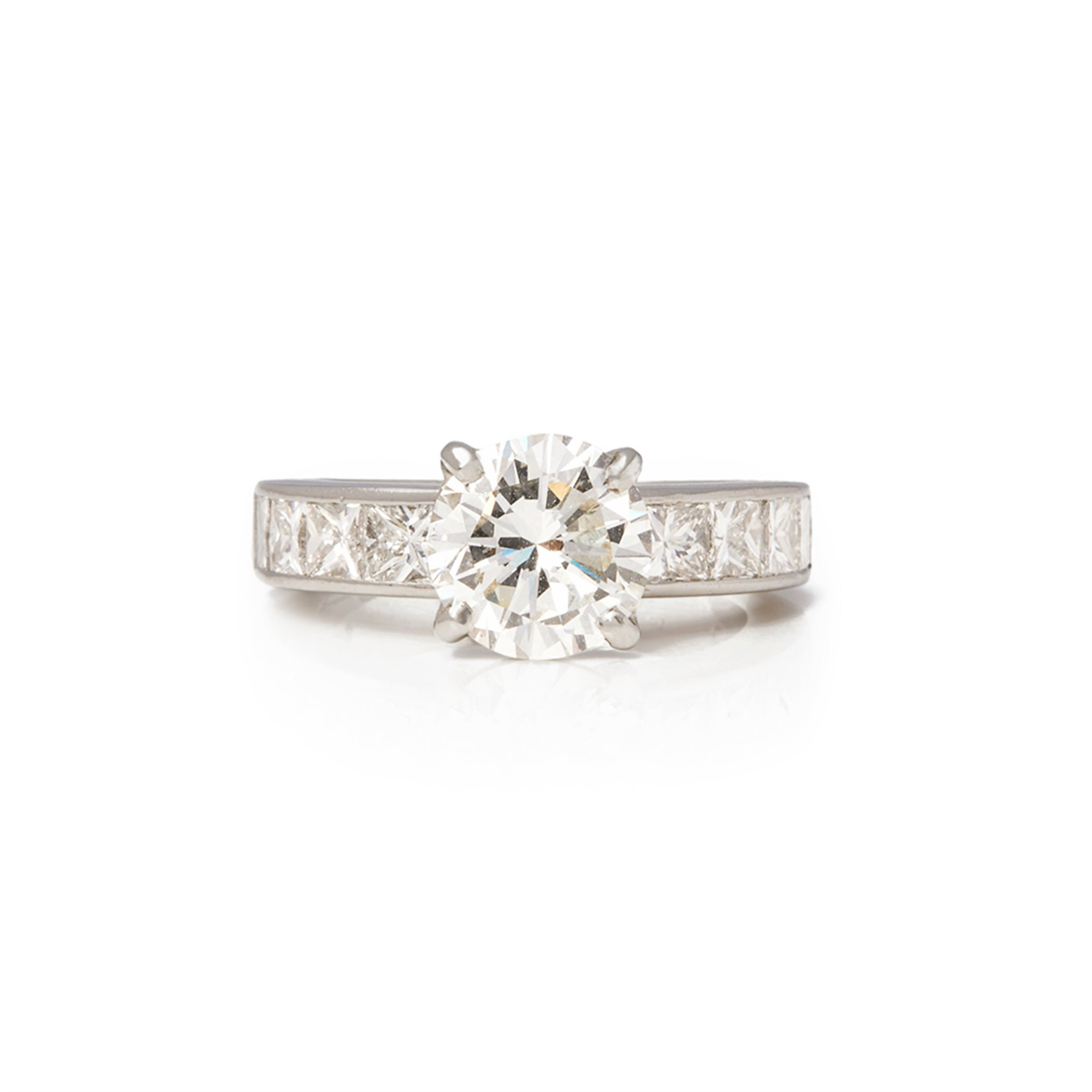 Diamond  Platinum Round Brilliant Cut Diamond Engagement Ring