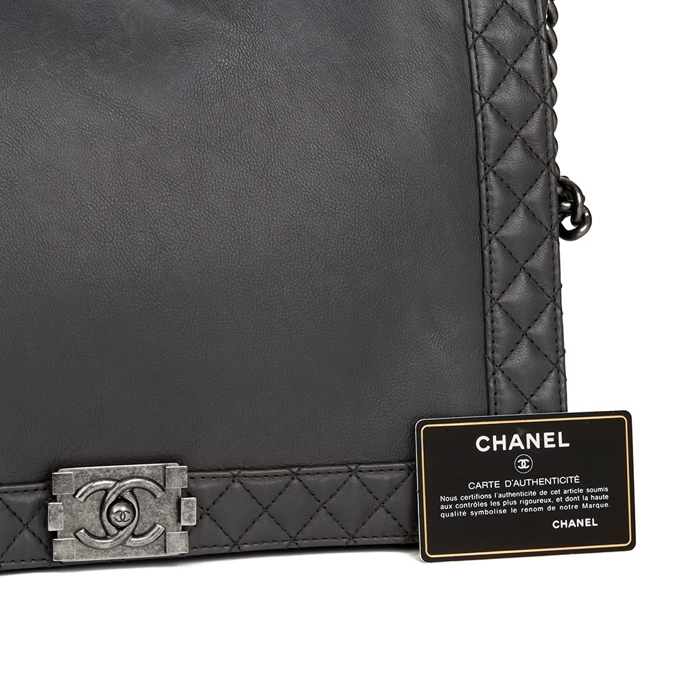 1abbf5ec821b Chanel XL Le Boy Reverso 2014 HB2125 | Second Hand Handbags | Xupes