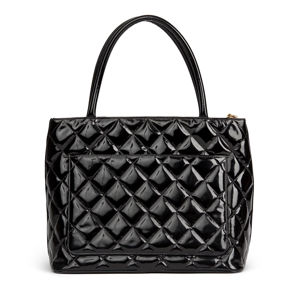 f2c1169ba6b41 Chanel Black Quilted Patent Leather Classic Gold Medallion Tote