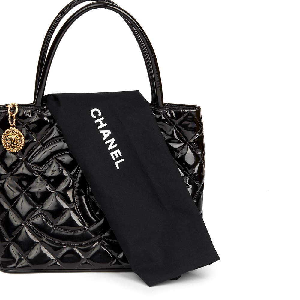 10edfcbe41f1 Chanel Black Quilted Patent Leather Classic Gold Medallion Tote
