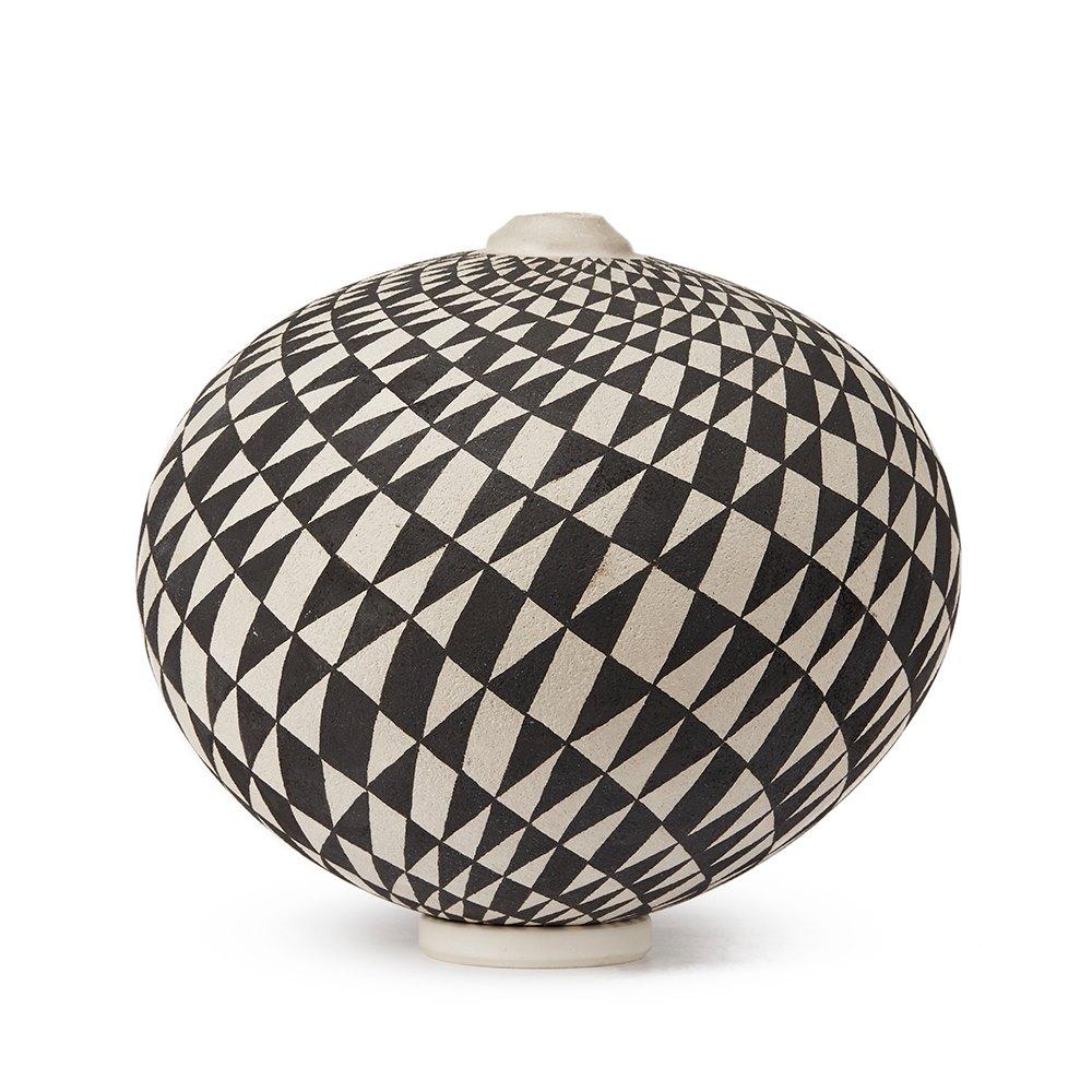 Ilona Sulikova Raku Fired Black & White Studio Vase 20th C 20th Century