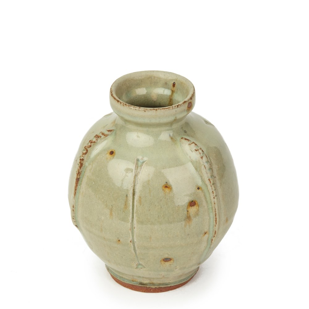 MIKE DODD VINTAGE GREEN GLAZED STUDIO POTTERY VASE Believed to date from the 1970's