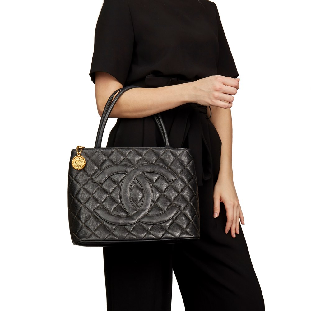 d71ea112b35f Chanel Black Quilted Caviar Leather Vintage Medallion Tote