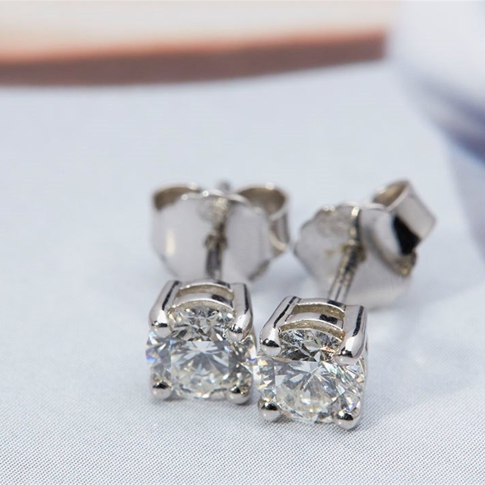 Platinum Platinum 1.06ct Round Brilliant Cut Diamond Stud Earrings