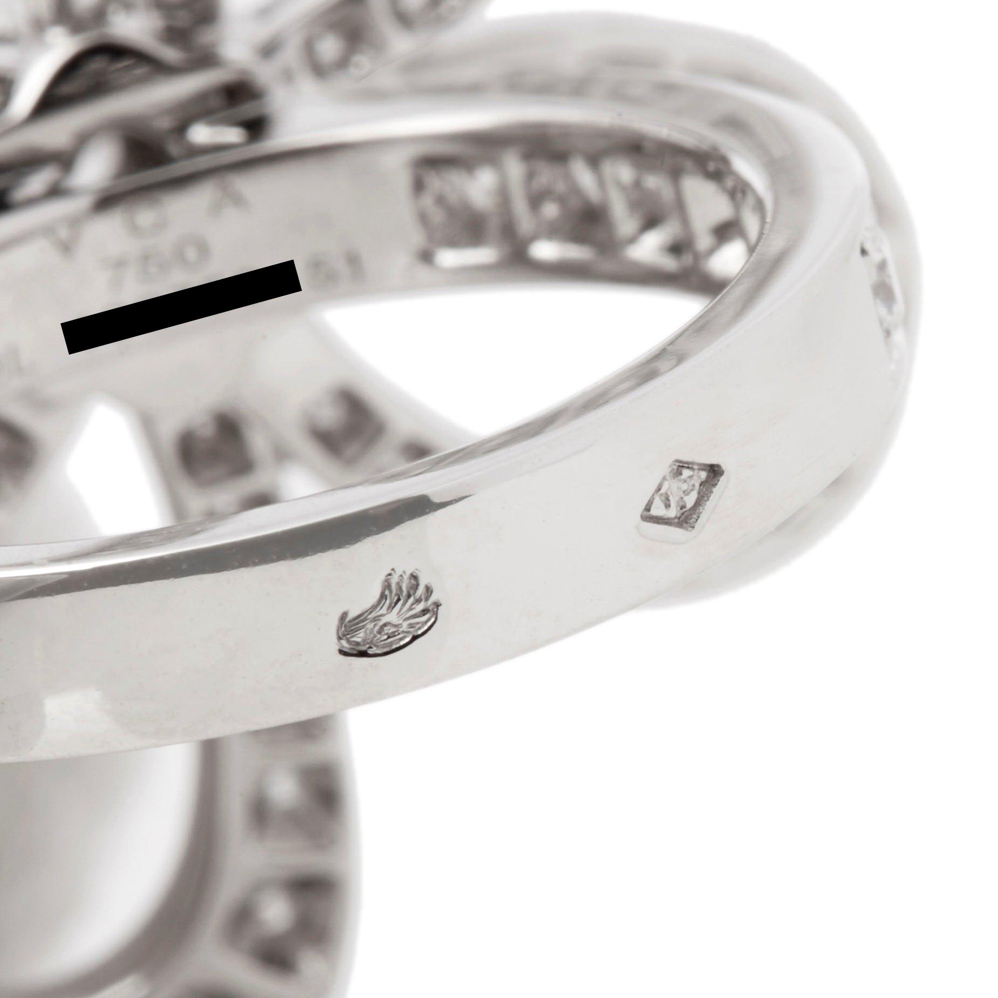 Van Cleef & Arpels 18k White Gold Diamond Flowerlace Ring