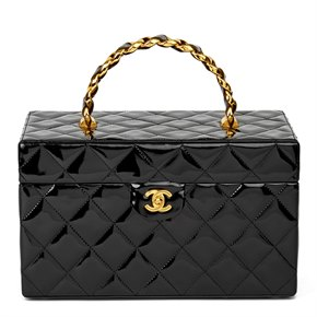 Chanel Black Quilted Patent Leather Vintage Classic Vanity Case
