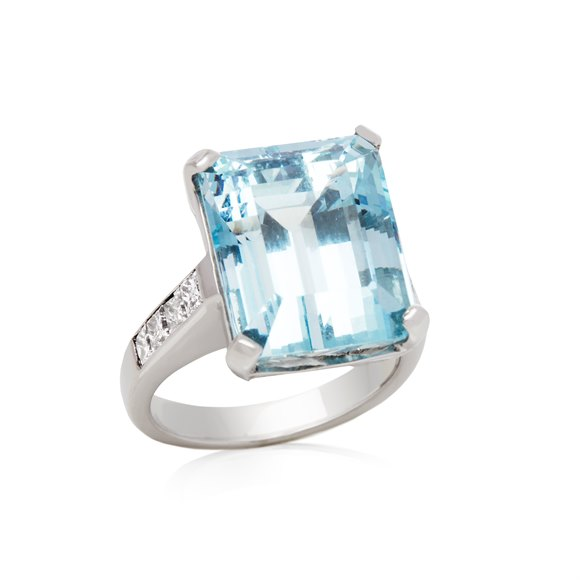 18k White Gold Aquamarine Large Cocktail Ring