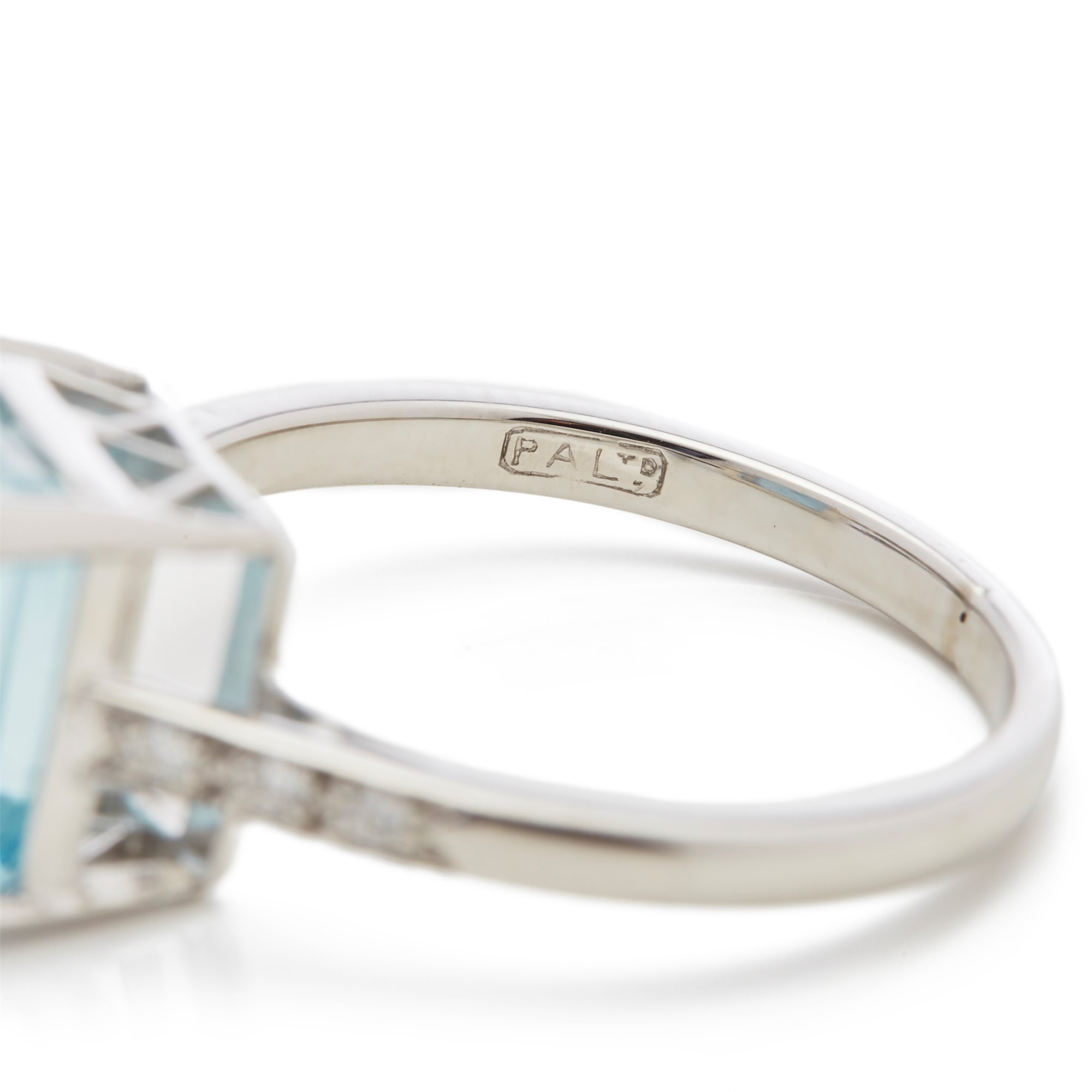 Aquamarine 18k White Gold Aquamarine & Diamond Ring