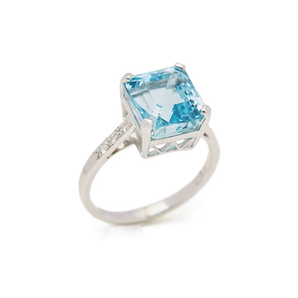 18k White Gold Aquamarine & Diamond Ring